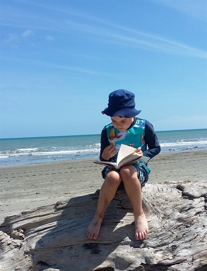 Easy Tips and Tricks to Get Your Child Reading This Summer